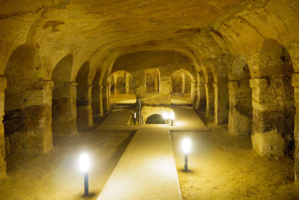 Visitare le grotte di Camerano